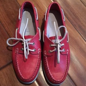 Topsider style shoes